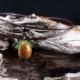 Schneeglöckchen mit Antilopenlederband